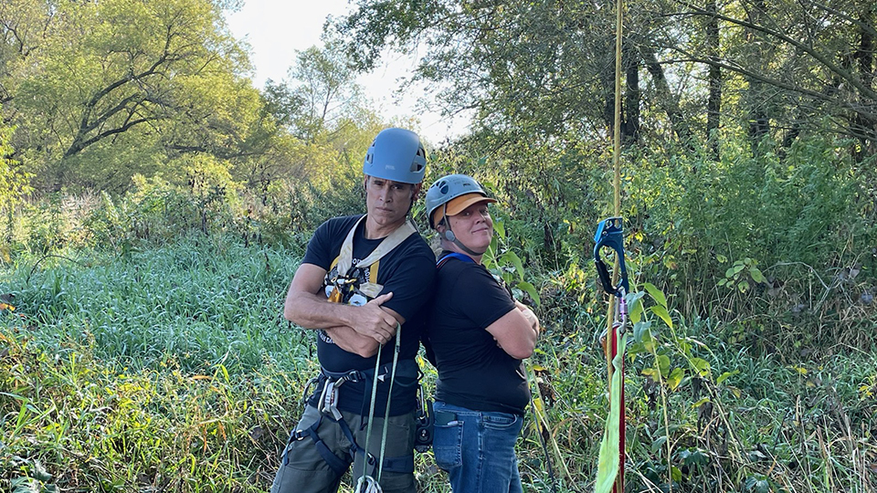 September 23, 2021: Bad hombres! Kike left, Amy middle, climbing rig right.